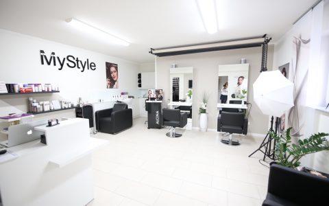 optimale Beleuchtung für sehr hohe Farberkennung, aber auch gedimmtes Licht ist möglich, Friseur MyStyle Friedberg